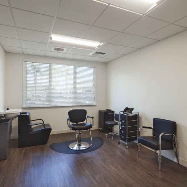 Room with beauty parlor chair
